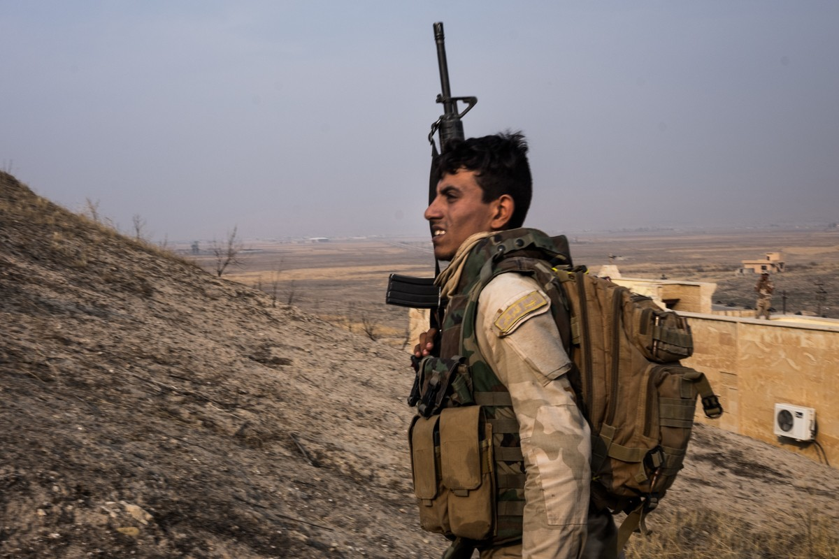 On the way to Mosul gates